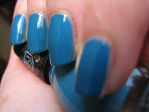 Oser les ongles Schtroumpf dans blue IMG_1072-300x225
