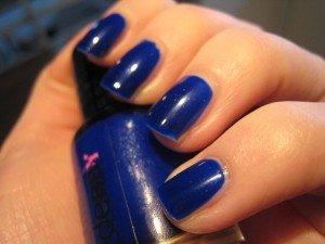 LE vernis bleu électrique de mes rêves !!! dans blue IMG_1522-300x225