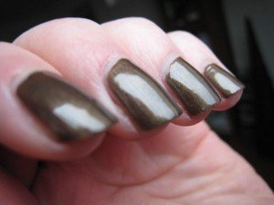 Dark Bronze de Sinful Color dans marron IMG_1555-300x225