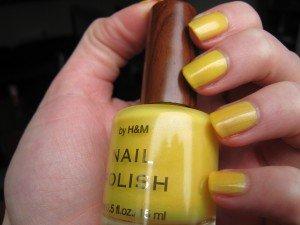 Bouton d'or / manucure gnangnan dans jaune IMG_2229-300x225