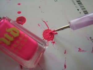 The Sunday Nail Battle # 3 : splatter mani (version horizontale) dans Bidouillages onglesques IMG_2532-300x225