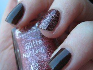 Kiko Glitter Nail Lacquer Peony Party dans kiko img_3849-300x225
