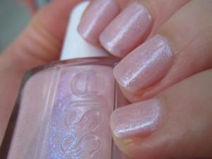 Pink a boo d'Essie dans blue img_4415-300x225