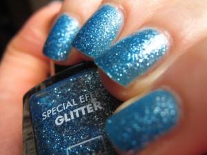 Glitter Blue Effect d'Hema img_4499-300x225